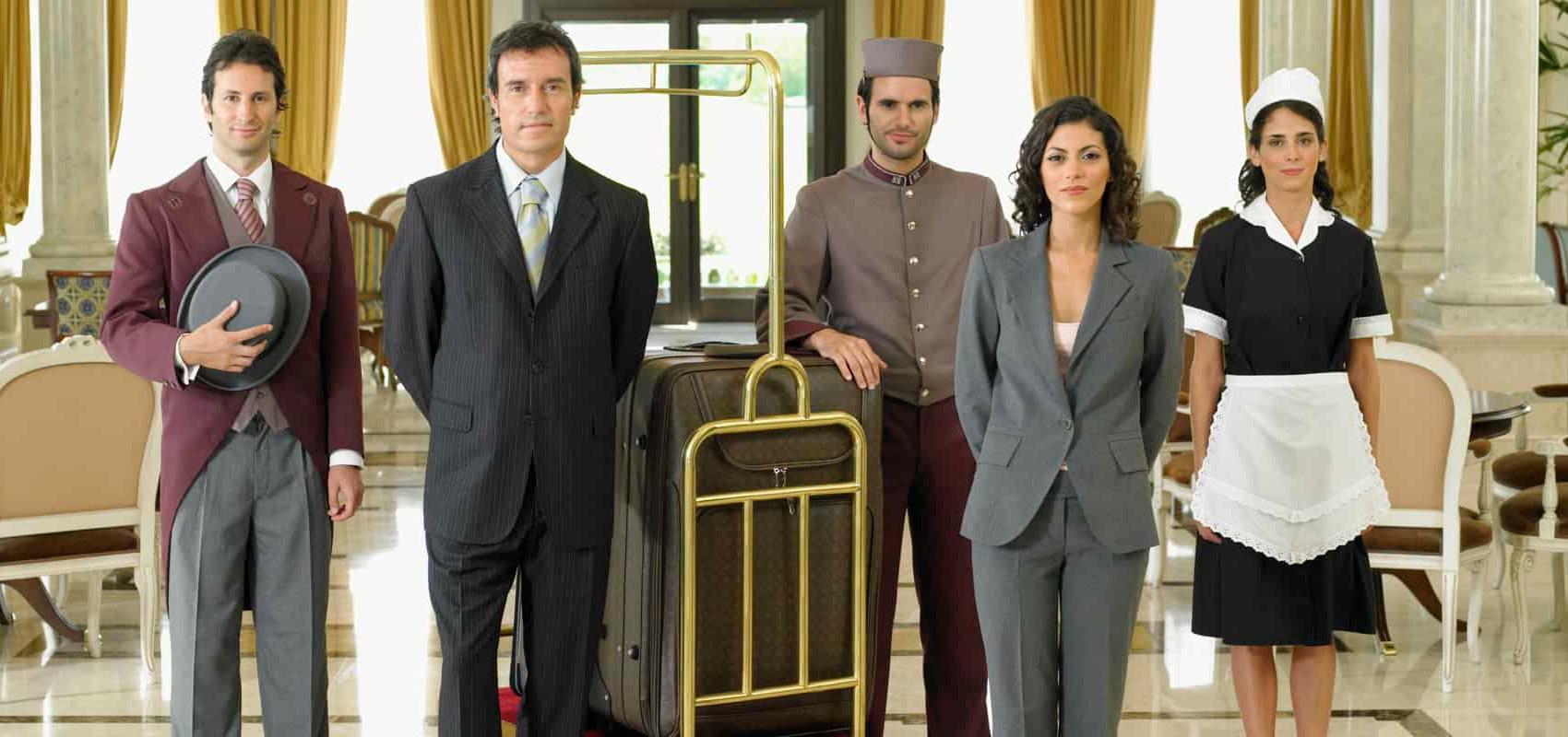 hotel-staff-in-lobby (1700×800)